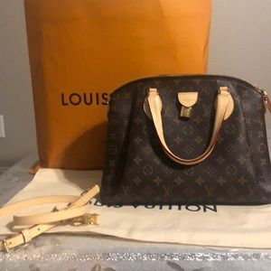 Louis Vuitton MM women handbag